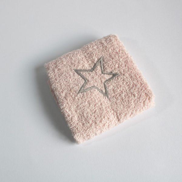 serviette rose broderie étoile